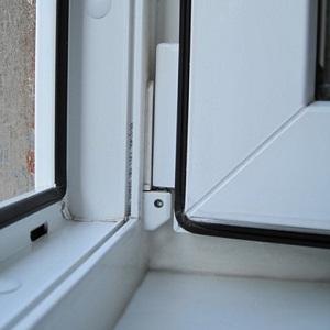 okna s uplotnitelem