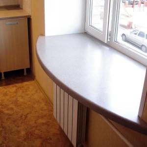 широкий подоконник для окна